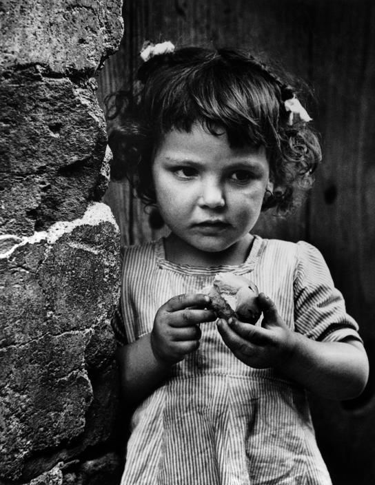 "W. Eugene SMITH :: Deleitosa, Caceres, Extremadura, Spain, 1951 / from ""Spanish Village"" photo-essay"