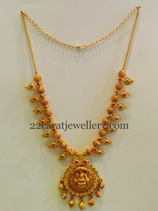 Jewellery Designs: Gold Necklace with Paisley Design