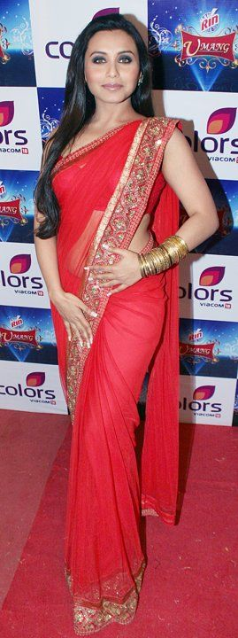 Red n Gold, my two favourite colours on my favourite person. *__*