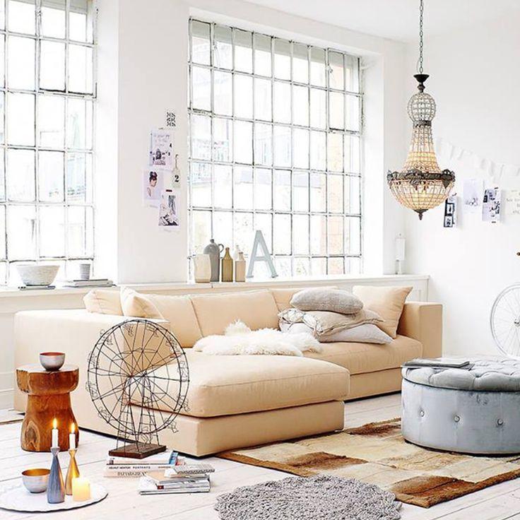 Mjuk och bekväm divansoffa Stradford - inredarens favorit  #hemdesigners.se #design   #homedecor  #style  #Styling #interior #interiordesign #rumdesign #ruminredning #interior_and_living #interior4you #interior2you #inredning #interiordesign #finahem #onlyinterior #roomforinspo #mitthem #finahem #lovelyinterior #hem_inspiration #finahem #lovesammet #sammet #Hem_design #nordiskahem #charminghomes #nyahemmet