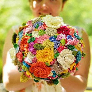 This bouquet is CROCHETED...I'm freaking out!! There's a tutorial on how to make it too!