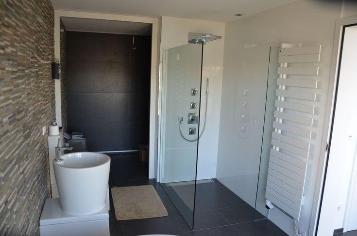 Badezimmer Mit Natursteinbricks Als Highlight Fliesen Badezimmer