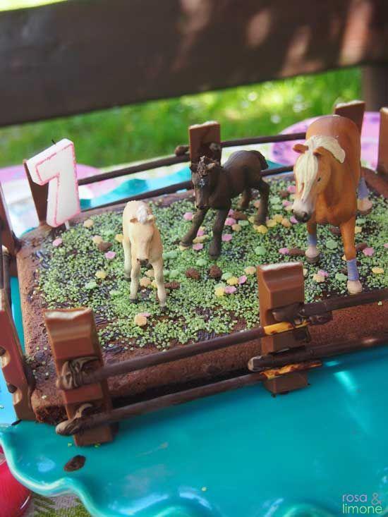 Pferdekoppelkuchen für den Kindergeburtstag