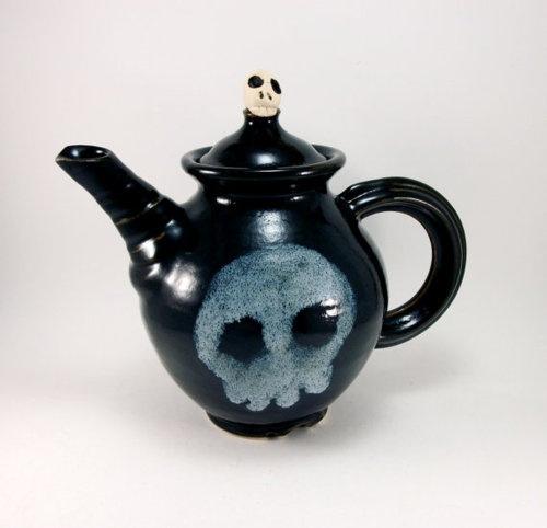 Skull teapot- not quite Corrie style