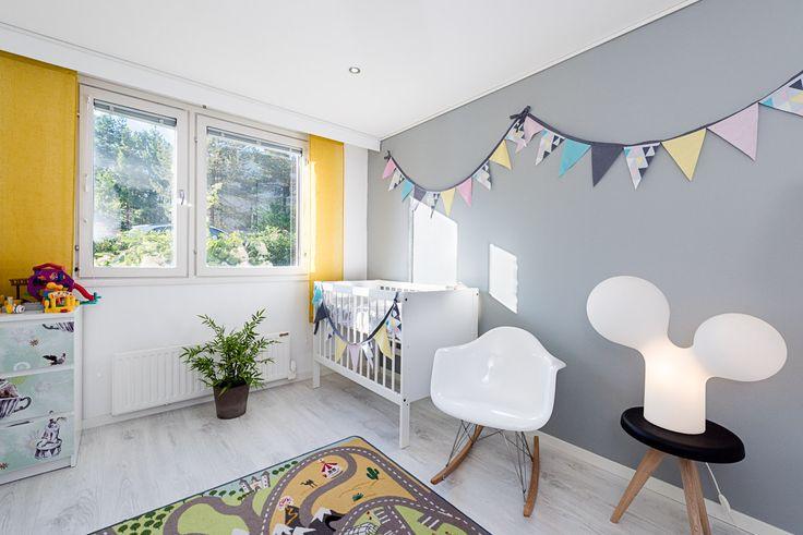 baby's room, Eero Aarnio's kupla (bubble) lamp