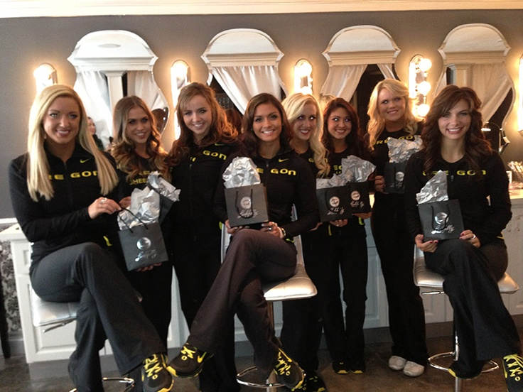 Oregon cheerleaders stopped by for some glamour lashes!