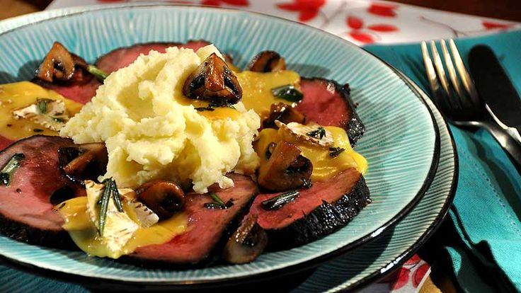 Pieczona wołowina w balsamicznej marynacie, tłuczone ziemniaki, smażone pieczarki, camembert zapiekany z oliwą ziołową