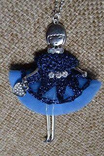 """Collana bambolina Vestito in uncinetto e tulle Creazione di """"Il diario di Fiorella Creatività e Fantasia""""  http://donyscreations.blogspot.it/"""