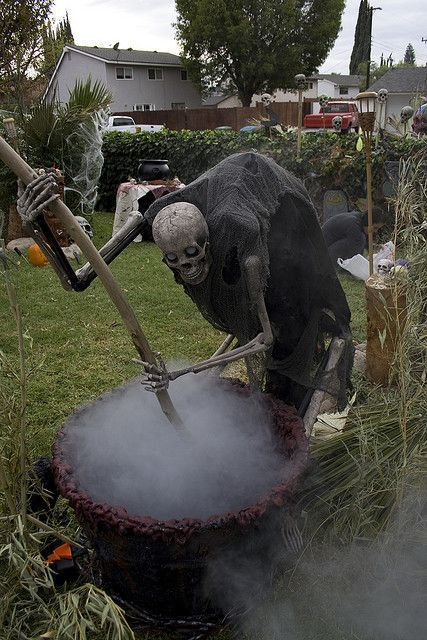pot stirring skeleton halloween props yard decor - Scary Halloween Yard Decorations