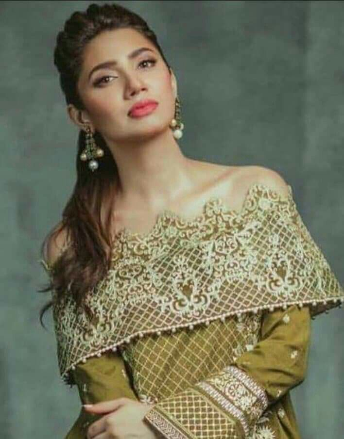 Gorgeous Mahira Khan For Alkaram Festival Collection!