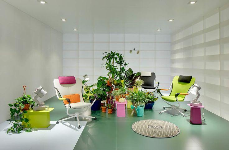 Inspired by nature: навстречу ветру вместе с креслом Waver, на создание которого немецкого дизайнера Константина Грчича вдохновили экстремальные виды спорта, связанные со стихией ветра.   http://liveindesign.ru/catalog/waver  #vitra #chair #furniture #interior #design #home #house #liveindesign #waver #grcic #interiordesign #wind #dreamchair #technology #nature