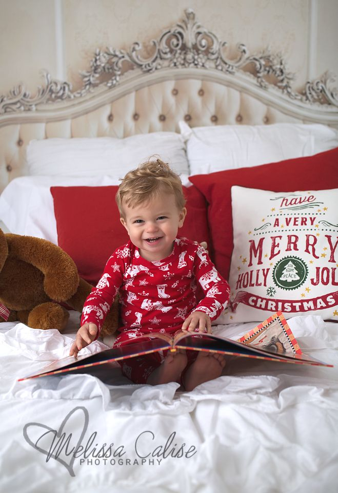 melissa calise photography holiday mini baby boy bed night before christmas book photo shoot session