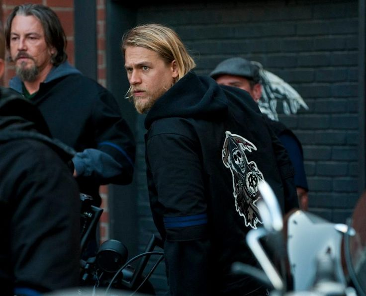 Tommy Flanagan & Charlie Hunnam, Sons of Anarchy