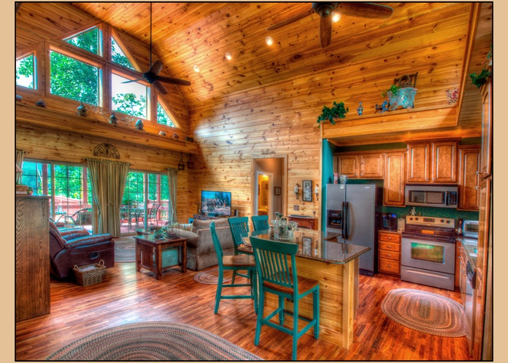 The Bird's Nest - Hidden Creek Cabins  Beautiful three bedroom/ two bath home located in Bryson City, NC.  Very close to the Deep Creek Community.  Perfect for couples or families looking to go tubing, hiking, fishing, or swimming.  Also perfect location for riding the Great Smoky Mountain Railroad or viewing the Great Smoky Mountain National Park.