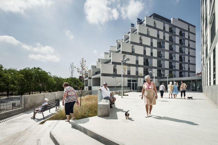 114 Public Housing Units / Sauquet Arquitectes i Associats