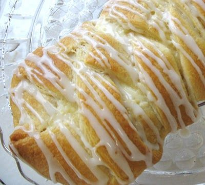Cream Cheese Danish  http://www.food.com/recipe/individual-cream-cheese-danish-73488  Heres another...  http://craftybutt.blogspot.com/2010/12/5-minute-cream-cheese-danish.html