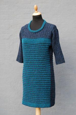 Holly. Smuk kjole designet af Hanne Falkenberg - Kreativ garnforretning og filteværksted