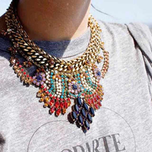 .: Big Necklaces, Statement Necklaces, Maxi, Style, Graphics Tees, Jewels, Accessories, T Shirts, Bibs Necklaces