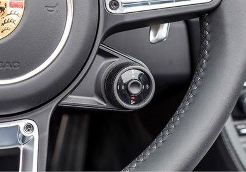 2017 Porsche 718 Boxster - interior 1