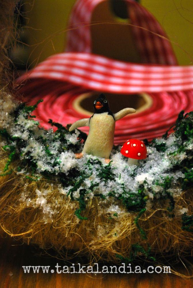 Handmade christmas wreath with supercute penguin decor  #christmasdecor #christmaswreath #Handmadewreath #christmasdecoration #christmas #christmasdecoration