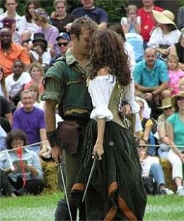 Robin Hood and Maid Marian at Renaissance Festival http://peachesandcream.hubpages.com/hub/robinhoodmaidmariancouplescostumes