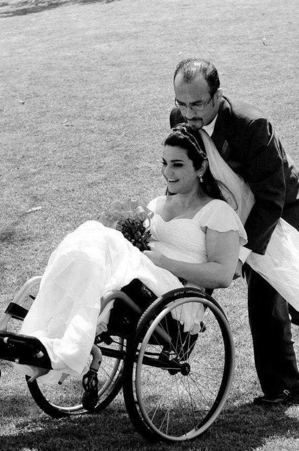 noivas em cadeira de rodas