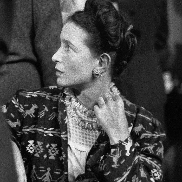De part son travail et ses positions affirmées, Simone de Beauvoir a su tout au long de sa vie faire évoluer la condition féminine. Voici 10 citations signée par la femme de lettres à ne jamais oublier.