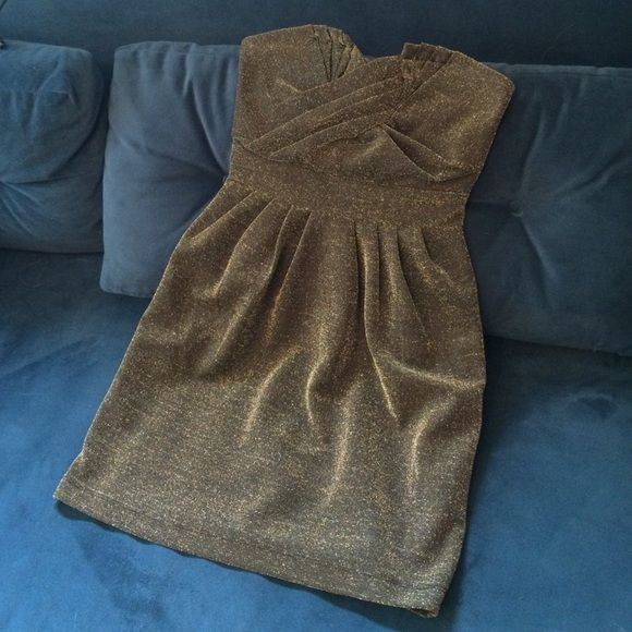 H&M Metallic Gold Strapless Party Dress Fun, strapless metallic party dress. 89% polyester. 11% metallic fiber. Worn once. H&M Dresses
