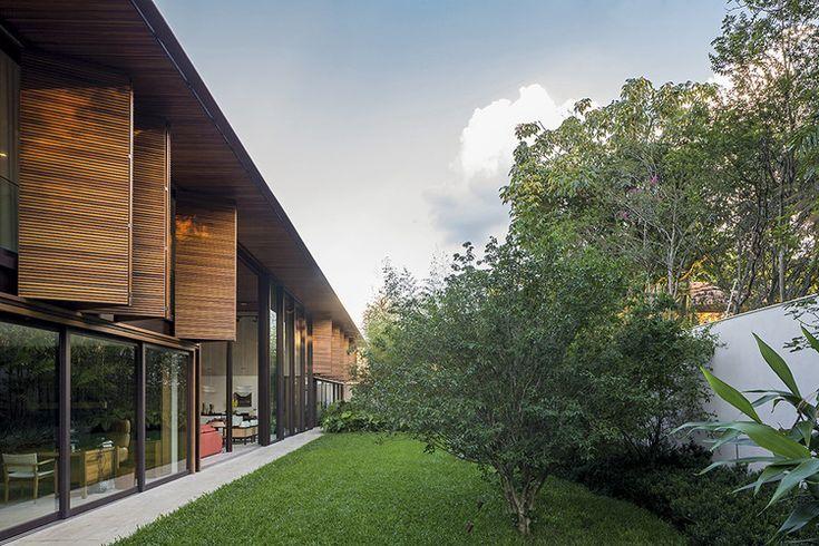 MLA HOUSE- BERNARDES +JACOBSEN ARQUITETURA © Leonardo Finotti