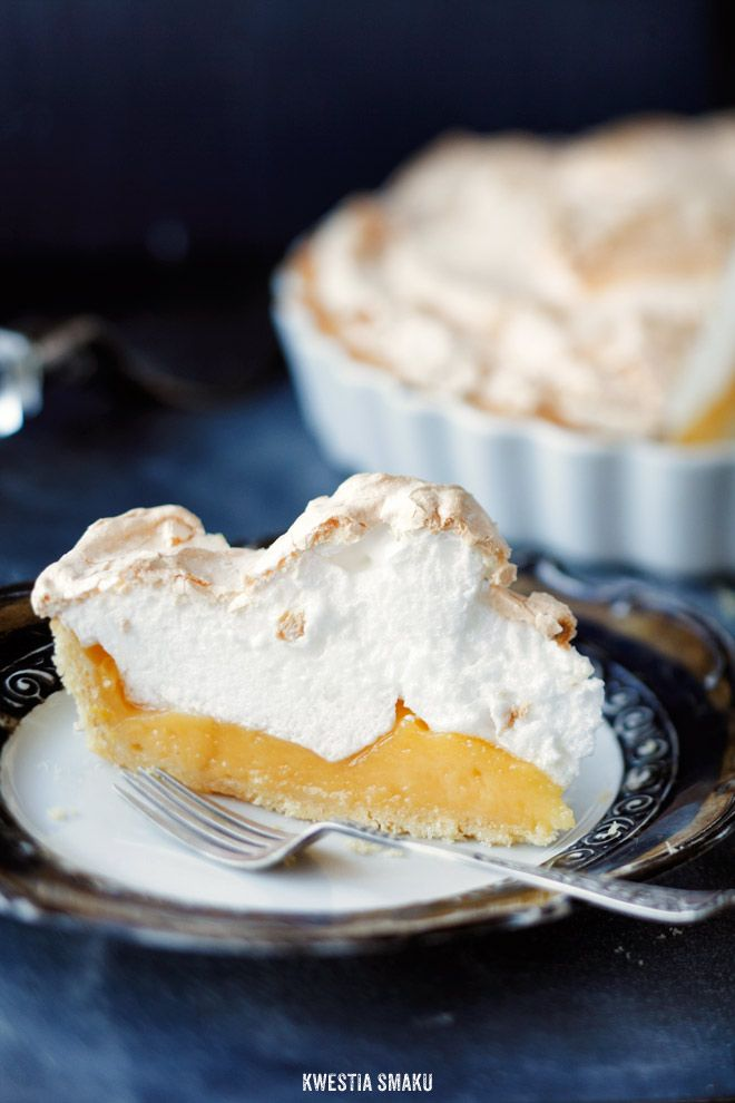 Tarta z kremem cytrynowym i beza... Lemon Meringue Pie, could become a nice Easter treat.
