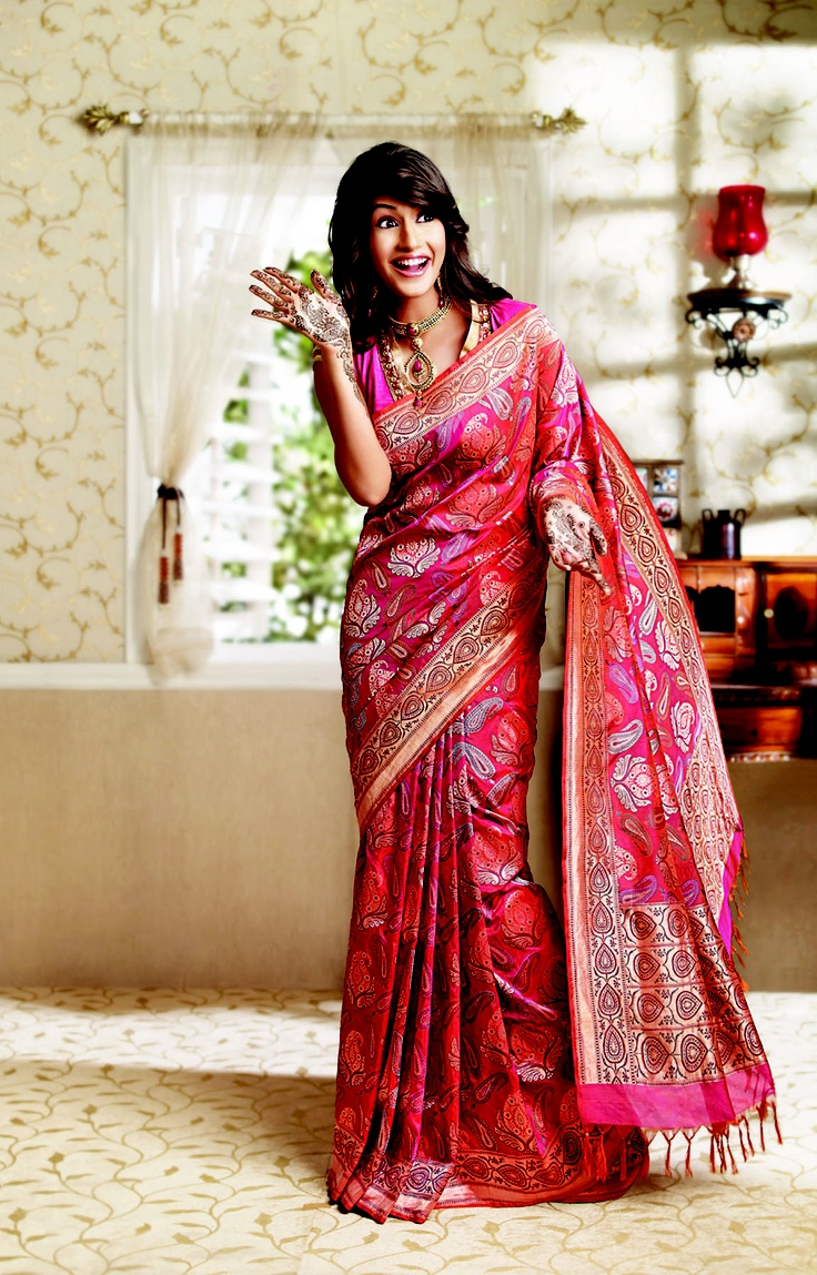 Beautiful Hand Woven Banaras Saree. Rich but classic.