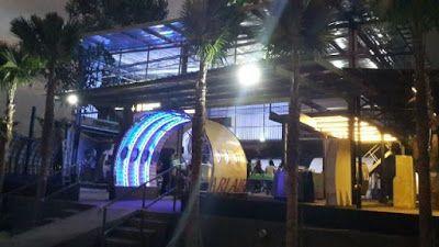 PERGIPEDIA  - The Captain Urban Lounge Yogyakarta, Sensasi Makan Di Hanggar Pesawat . Wisata kuli...