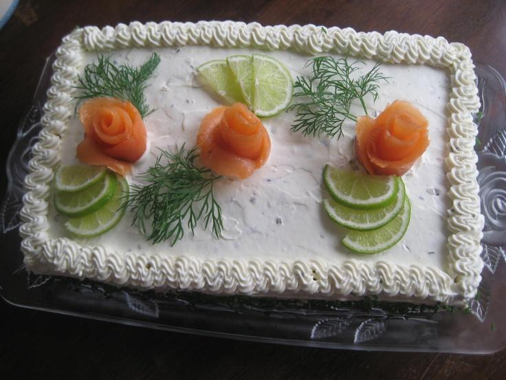 Cold-smoked salmon sandwich cake