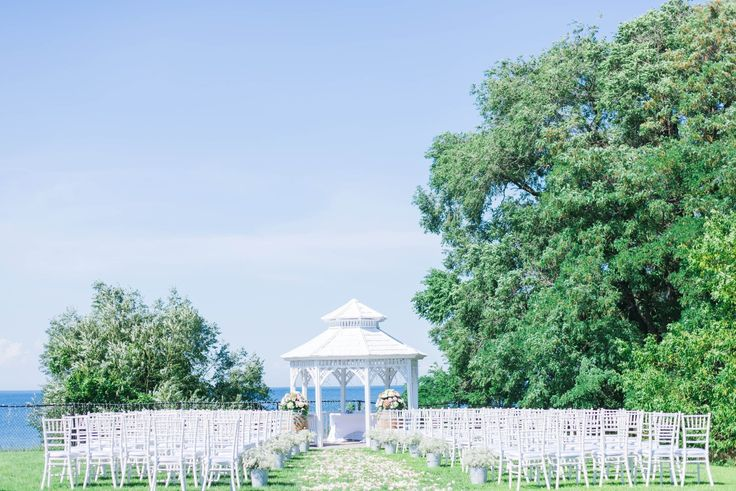 A Beautiful Ceremony set up at Legends Estates Winery in Beamsville, ON