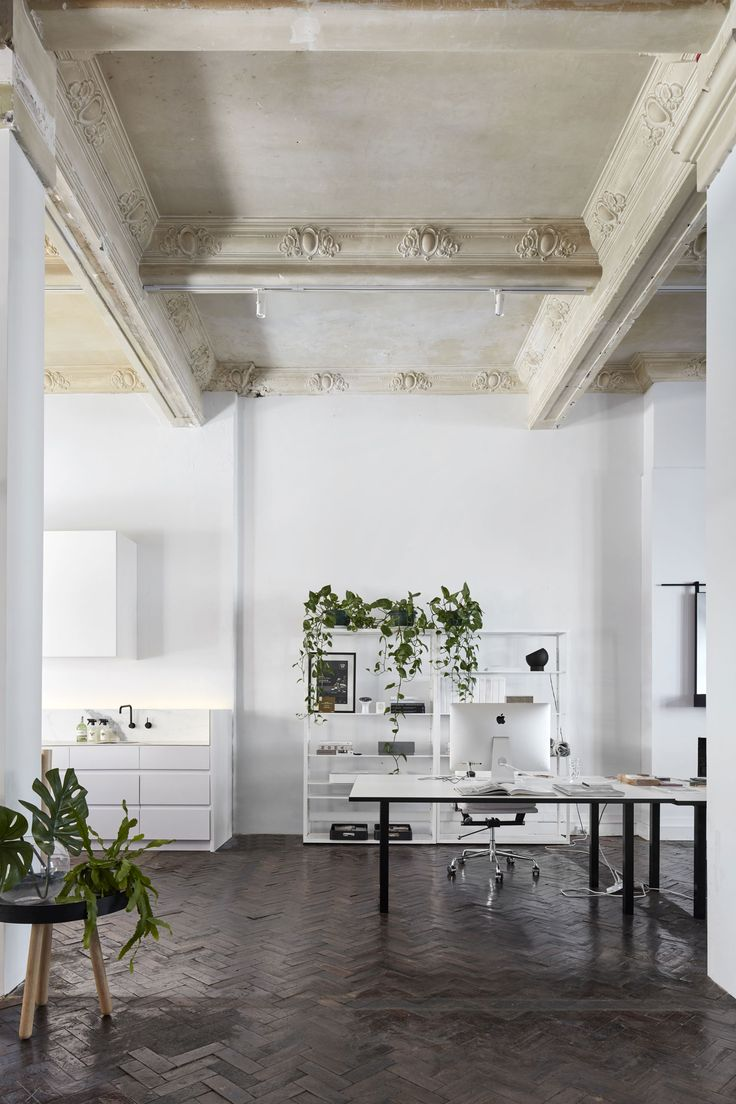Melbourne-based interior design studio, The Stella Collective, has set up their office within the glamorous hundred-year-old former department store.