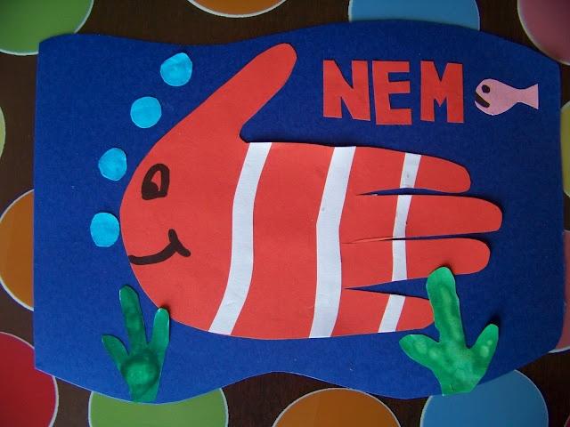 Lavoretti con la sagoma delle mani: pesce Nemo
