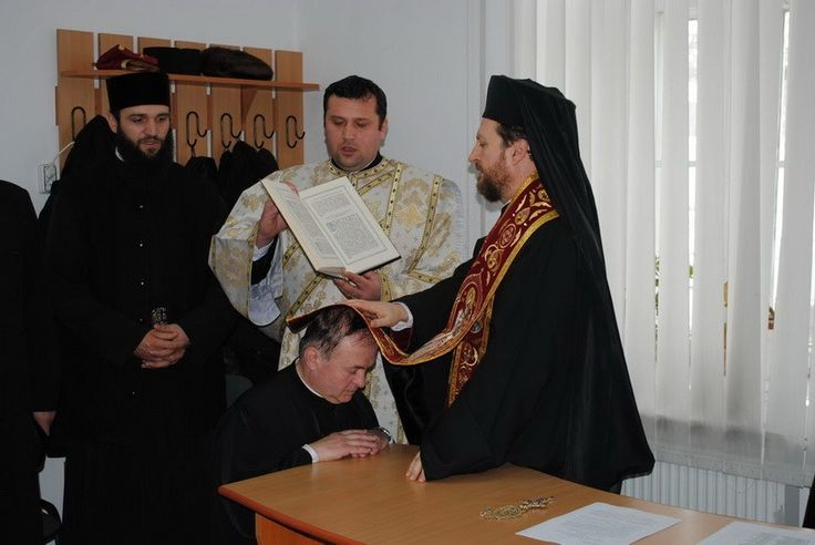 În sfârșit, Biserica Ortodoxă s-a hotărât! Prima măsură concretă împotriva episcopului homosexual de la Huși