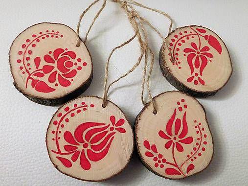 RebekaP / Niečo červeno - ľudové na Vianoce - sada drevených ozdôb