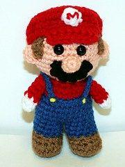 Patrón gratis amigurumi de mini Mario Bross Espero que os guste tanto como a mi! Idioma: Inglés Visto en la red y colgado en mi pagina:
