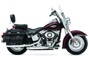 Harley-Davidson Softail Heritage Classic rental starting at 219.95$ for a single day at Premont Harley-Davidson Laval.  Location d'une Harley-Davidson Softail Heritage Classic à partir de 219.95$ pour une journée chez Prémont Harley-Davidson Laval.