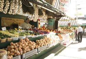 Farm-fresh picks at the Marché Jean-Talon