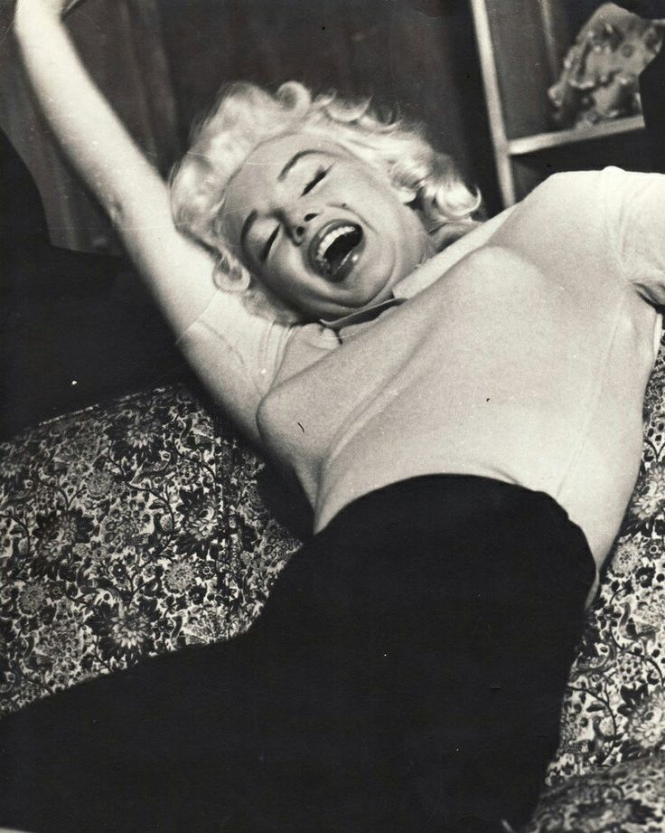 Marilyn at Milton Greene's house for her Person To Person interview, 1955.