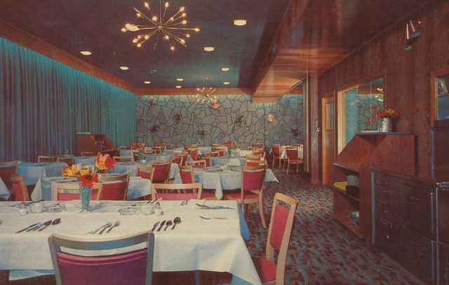 """Motel Rock Haven and Restaurant - Peterborough, Ontario    """"Air Conditioned""""  Peterborough's Finest Dining Room - Diners Club.  Coffee shop open 7 A.M. to 12 Midnight  Dining Room open 11:30 A.M. to 10 P.M."""