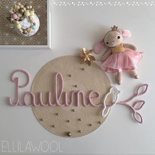 Ce joli modèle... il a fait du chemin depuis le premier Constance de la belle @home_marie_charlotte ... tellement doux et poétique pour les chambres de vos amours. Merci à cette jolie maman pour sa confiance  #tricotin #laine #wool #cadeau #naissance #baby #babygirl #pauline #pink #bird #birdonawire #home #decoration #decorating #babyroom #creation #handmade #faitmain #madeinfrance