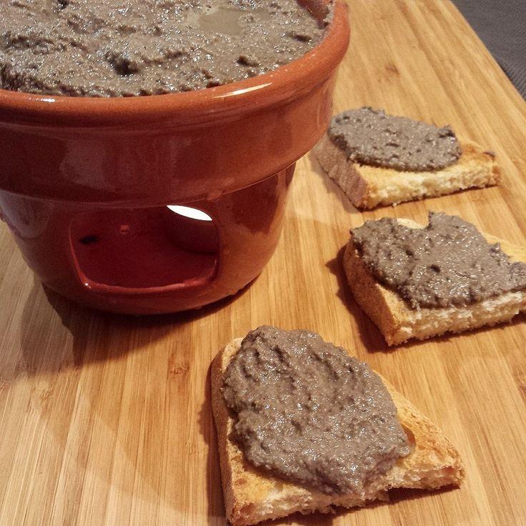 Crostini toscani ai fegatini - crostini, antipasto, fegatini, appetizer, tuscanfood...