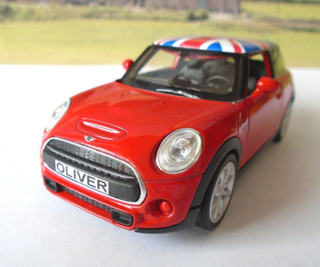 PERSONALISED PLATES Red/Union Jack Mini Hatch