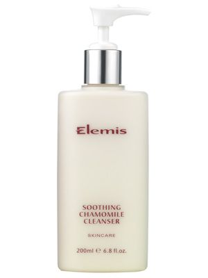 Elemis Soothing Chamomile Cleanser 200ml. This ultra-mild, hypo-allergenic cooling cleansing milk contains harmonising extracts of German Chamomile, reparative Lecithin and Vitamins E and F to calm and desensitise the most sensitive skins. Ideal for ultra-delicate, stressed and hormonal skin. #Elemis #cleanser #cleansingmilk #sensitiveskin #essentialspanyc