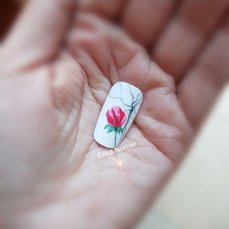 Velvet effect nail art