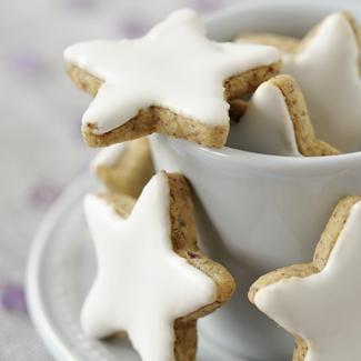 Biscuits de Noël en forme d'étoiles - une recette Fête - Cuisine | Le Figaro Madame