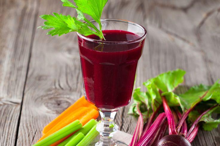 Entschlackender Rote-Rüben-Saft #detox #beetroot #apple #celery #carrot #lemon #karott #veggy #healthy #vitaminboost #vitamins